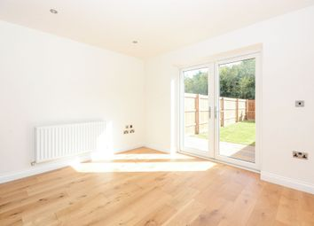 Thumbnail 3 bed town house to rent in Staveley Road, Chesterfield