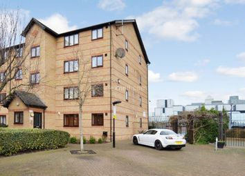 Thumbnail Flat to rent in Ringwood Gardens, London