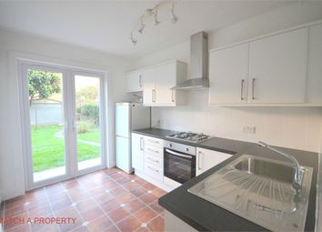 Thumbnail 1 bed flat to rent in Murray Road, Ealing, London