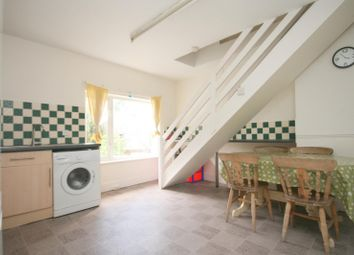 Thumbnail 3 bed flat to rent in Waterloo Road, Epsom