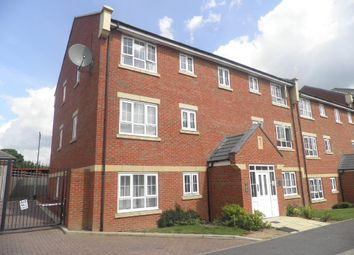 2 bed flat for sale in Watling Gardens, Dunstable LU6