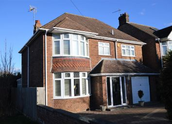Thumbnail 4 bedroom detached house for sale in Meadway, Dunstable