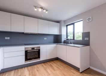 Thumbnail 2 bed flat to rent in 78, Kings Avenue, London