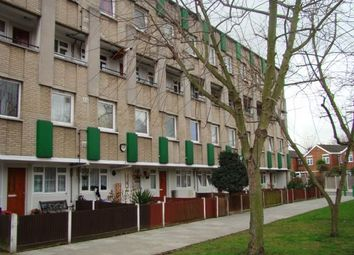 Thumbnail 1 bed flat to rent in Mace Street, London