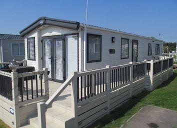 2 bed mobile/park home for sale in Laburnam Grove, Birchington Vale Leisure Park, Birchington, Kent CT7