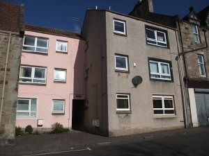 Thumbnail 1 bed flat to rent in High Street, Dysart