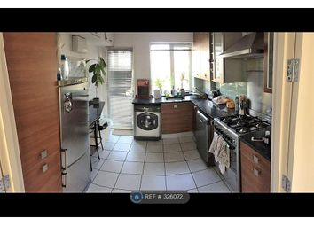 Thumbnail 3 bedroom flat to rent in Allingham Court, London