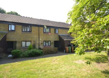 Thumbnail 2 bed flat for sale in Culvers Retreat, Carshalton