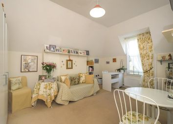 Thumbnail 1 bedroom flat to rent in Richmond Green, Surrey