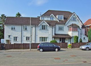 Thumbnail 2 bed flat to rent in Flat 4 Trevaldwyn Montpellier Park, Llandrindod Wells, Powys