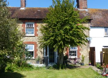 Thumbnail Cottage to rent in Shaftesbury View, Gillingham