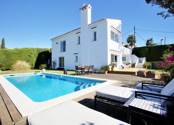 Thumbnail 3 bed chalet for sale in Estepona, Málaga, Andalusia, Spain
