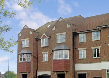 Thumbnail 2 bed flat to rent in Sussex Road, Haywards Heath