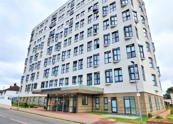 High Road, Romford RM6. 2 bed flat