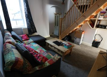 Thumbnail 2 bedroom flat to rent in Compton Avenue, London