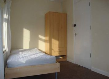 Thumbnail Room to rent in Brookfield Crescent, Oxford