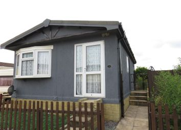 Thumbnail 2 bed mobile/park home for sale in Avon Park, Netheravon, Salisbury