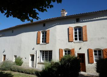 Thumbnail 4 bed property for sale in Poitou-Charentes, Charente-Maritime, Haimps