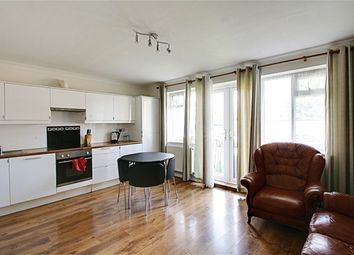 Thumbnail 2 bedroom flat to rent in Chase Side, London