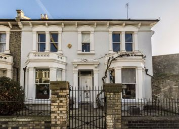 5 bed property to rent in Bridge View, London W6