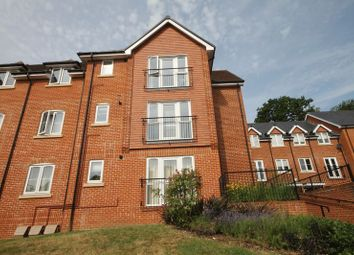 Thumbnail 2 bed flat to rent in Oasthouse Drive, Horndean, Waterlooville