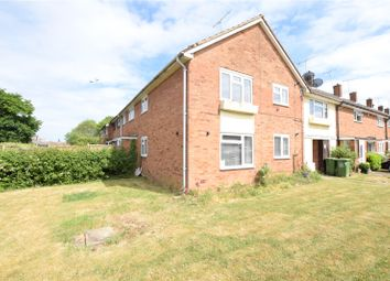 2 bed flat to rent in Wetherland, Basildon, Essex SS16