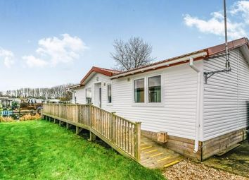 Thumbnail 3 bedroom mobile/park home for sale in Goose Waters, Billing Aquadrome, Northampton