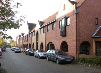 Thumbnail Studio to rent in Amsterdam Road, Docklands, London