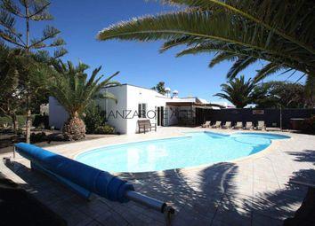 Thumbnail 4 bed villa for sale in Playa Blanca, Spain