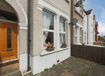 Thumbnail 1 bedroom flat for sale in Brightwell Crescent, London
