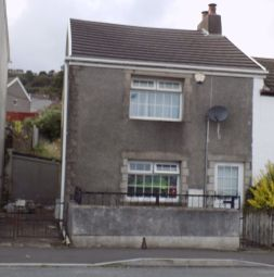 Thumbnail 3 bed property to rent in Neath Road, Plasmarl, Swansea