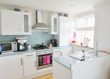 Thumbnail 2 bed flat to rent in Bigwood Avenue, Hove