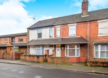 3 bed terraced house to rent in Parkway Road, Dudley DY1
