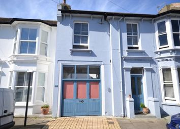Thumbnail 3 bed flat to rent in Westbourne Place, Hove