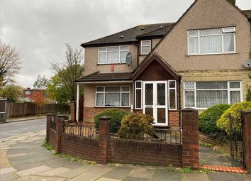 Room to rent in Middleton Avenue, Greenford UB6