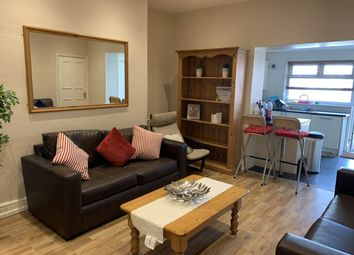Room to rent in Bedroom 3, 264A Westgate Road (20/21), City Centre NE4