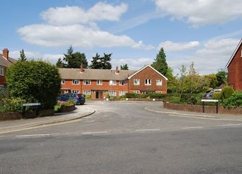 Thumbnail 2 bed flat to rent in Hadley Court Kent, Royal Tunbridge Wells