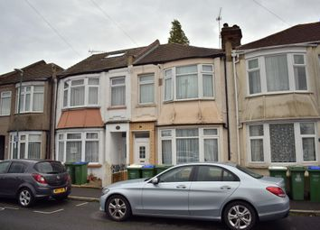 3 bed terraced house to rent in Willow Road, Slade Green, Kent DA8