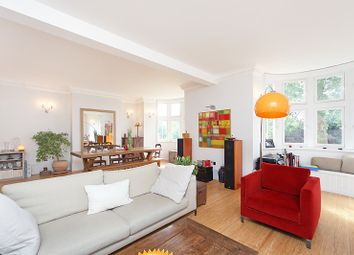 Thumbnail 3 bed flat to rent in Kensington Park Gardens, London