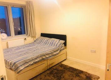 Thumbnail Room to rent in Russell Hill Road, Purley