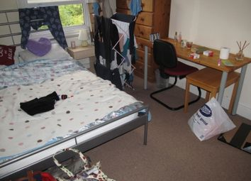 Thumbnail 4 bedroom terraced house to rent in Donnington Road, Reading