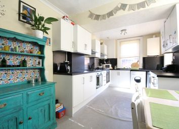 Thumbnail 5 bedroom terraced house for sale in Waterloo Terrace, Ashton-On-Ribble, Preston