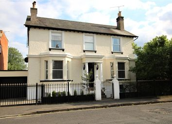 Castle Crescent, Reading, Berkshire RG1. 5 bed detached house for sale