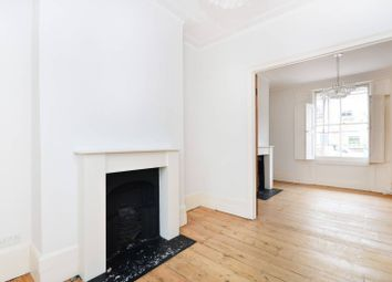 2 bed maisonette to rent in Arlington Avenue, Angel, London N1