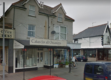 Thumbnail Commercial property for sale in Queens Road, Llandudno