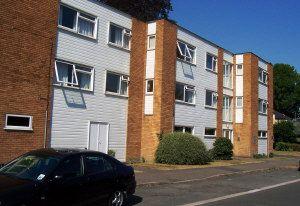Thumbnail 1 bed flat to rent in Walton On Thames, Walton On Thames