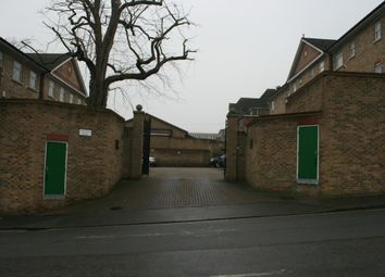Thumbnail Room to rent in New Road, Chatham, Kent
