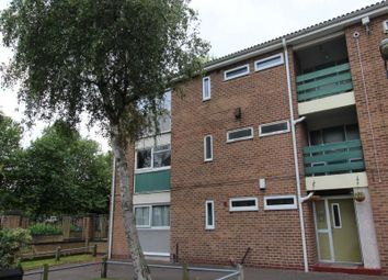 2 bed flat to rent in Tenby Court, Manchester M15