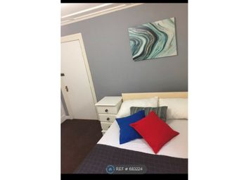 Room to rent in Second Avenue, London E12