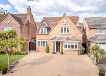 Thumbnail 4 bed property for sale in Lightswood Close, Cheshunt, Waltham Cross